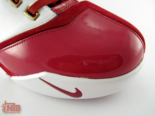 Part Two8230 Detailed Shots of LeBron James8217 Zoom LeBron V Home PE