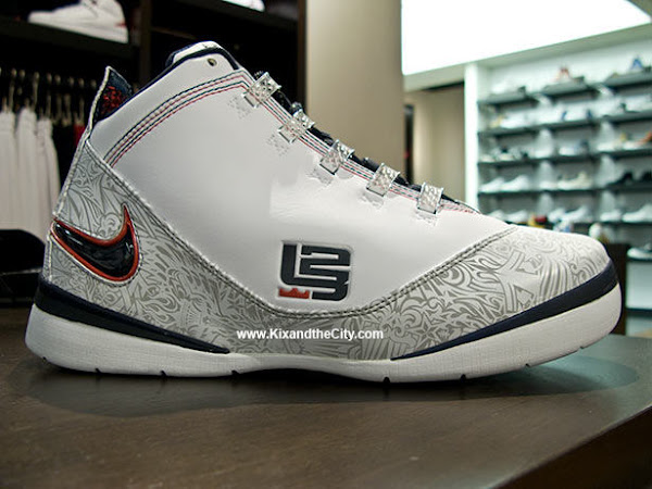 Fresh Photos Presenting the Tribal Nike Zoom Soldier II USA Edition