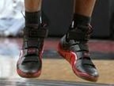Nike LeBron IV BlackCrimson PE with 23