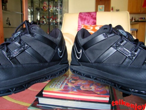 Carbon Fiber Nike Zoom LeBron III Low BlackIce Sample