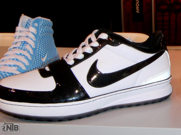 Live Pics Featuring the Nike Zoom LeBron 6 Low