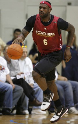 LeBron Sneaker Watch BlackWhiteRed Zoom LeBron VI