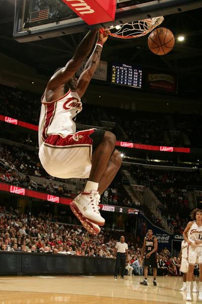 LeBron James Preseason Sneaker Watch Zoom Soldier II