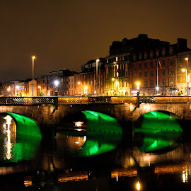 Dublin at Night by Justina Zupkaite - Buildings & Architecture Other Exteriors ( lights, dublin, night, bridge, river )
