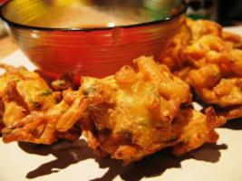 Onion and Fenugreek Pakora