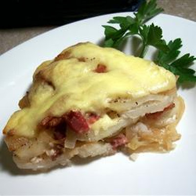 Cheesy Bacon and Potato Casserole - Tartiflette