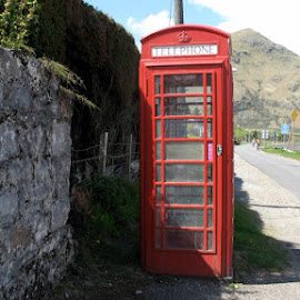 Phone Box by Bonnie Lea - Novices Only Street & Candid