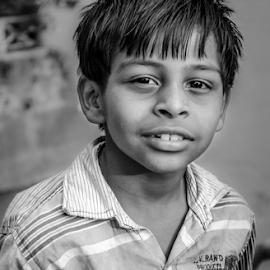 Gaze :: I by Avijit Maiti - Babies & Children Child Portraits ( black and white, children, nikon, 18-55mm, d5100, photography, street photography )