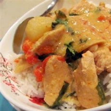 Kai Kang Dang (Chicken Curry with Coconut Milk)