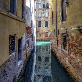 by Milan Jovanovic - City,  Street & Park  Historic Districts