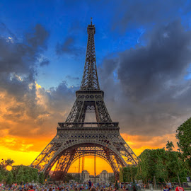 Eiffel Tower Sunset by Ryan Moyer - Buildings & Architecture Statues & Monuments ( paris, eiffel tower, europe, canvas, france,  )
