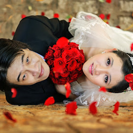 Happy Wedding by Lê Phong - Wedding Bride & Groom