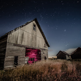 Abandoned Farmhouse by Spencer Hughes - Buildings & Architecture Decaying & Abandoned ( urbex, light painting, barn, night, abandoned, decay )