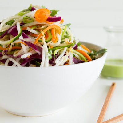 Fresh n' Raw Pad Thai Salad