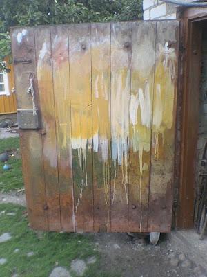 Daugiausia dažyta siena.