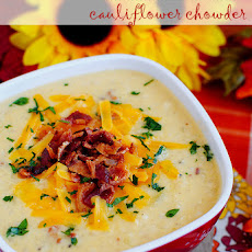 Bacon-Cheddar Cauliflower Chowder (Low-Carb Recipe)