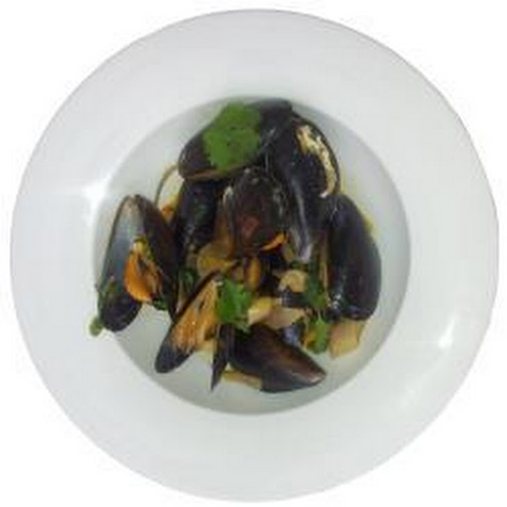 Thai Mussels With Red Curry Sauce