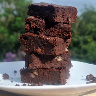 Fudgy Gooey & HEALTHY Chocolate Brownies