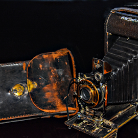 Early 1900's. Granpa Royce Cam by Jeanne Knoch - Artistic Objects Antiques