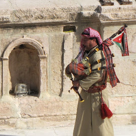 Jerash Piper by João Ascenso - People Musicians & Entertainers ( jerash, bagpipe, piper )