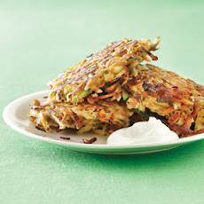 Latkes with Apple-Yogurt Dip