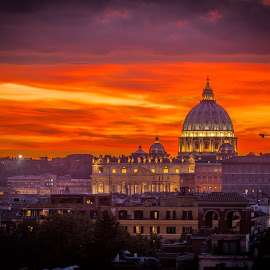 St. Pietro at sunset by Tzvika Stein - Buildings & Architecture Places of Worship ( building, church, st pietro, sunset, vatican, chapel )