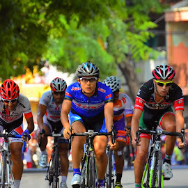 Tour de Banyuwangi Ijen 2014 (part II) by Simon Anon Satria - News & Events Sports ( jawa timur, cycle, two wheels, bicyle, wisata, sports, exercise, sport, tourism, transportation, travel, bicycle, banyuwangi, bike, tour de banyuwangi ijen 2014, indonesia, event, outdoors, festival, resourcemagazine )