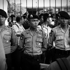 The Final by Chris Tuarissa - News & Events Politics ( president, monochrome, police, black and white, indonesia, jakarta, people )