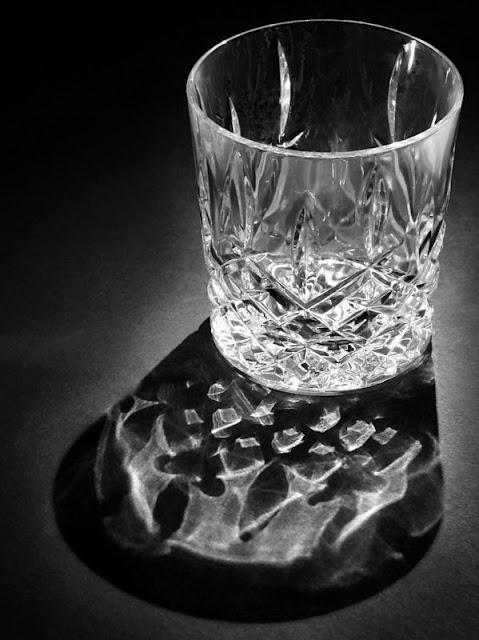 glassnoir.jpg