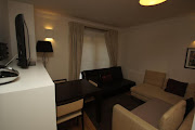 Smart Three Bedroom Bond Street Apartment B