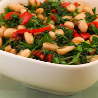 White Bean Salad with Roasted Red Pepper, Arugula, and Parsley