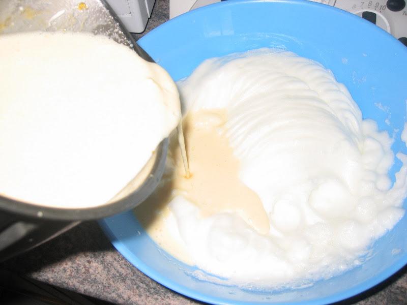 Receta: Torta con salsa de arandanos.