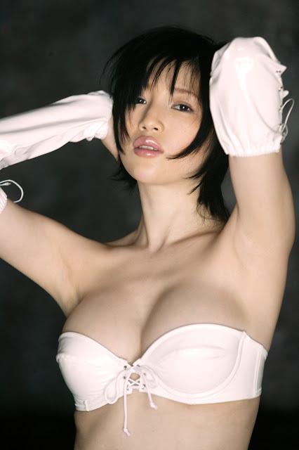 cewek bugil telanjang ngentot memek menggelinjang seperti cacing kepanasan di atas ranjang