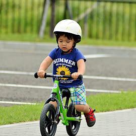 by Yurianto  Hiroshi - Babies & Children Children Candids