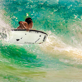 by Peter Chien - Sports & Fitness Surfing