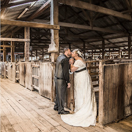Shearers Kiss by Kathryn Cherry - Wedding Bride & Groom