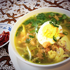 Soto Madura ,chicken soup in turmeric & lemon grass ,this soup r so yummy & fresh  all from fresh sc