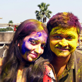 Colorful Couple by Anindya Bhattacharjee - People Couples ( rang, dol, india, pinki, holi, anindya )