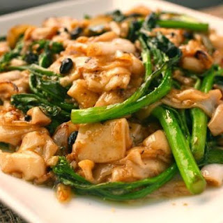 Dry-Fried Chow Fun with Chinese Broccoli