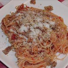 Spaghetti Topped With Crispy Bacon and Breadcrumbs