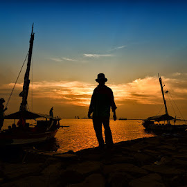 Fisherman by WHy Oh WHy - People Portraits of Men ( #fisherman #sunset )