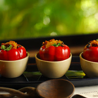 Slow-Cooker Mexican-Style Vegetarian Stuffed Peppers