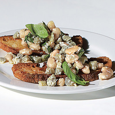 Fresh Artichoke and White Bean Crostini