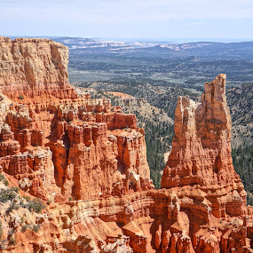 Canyon Edge by Jim Czech - Landscapes Mountains & Hills ( cliffs, utah, canyon, rocks, bryce canyon )