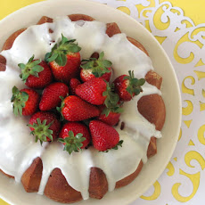Pound Cake with Strawberry Coulis