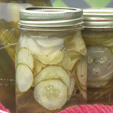 Crock Pot Garlic Dill Pickles
