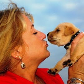 Momma & Makana by Nadia Anabtawi - Animals - Dogs Puppies
