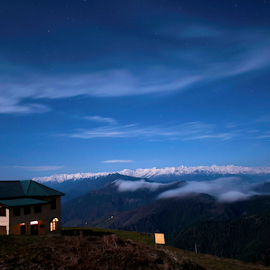 A night at Himalaya by Sanjay Barar - Landscapes Travel