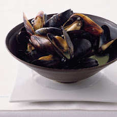 Mussels with Basil Cream
