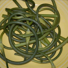 Early Garlic Greens (Garlic Scapes)